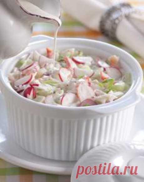 """""""Белая"""" la okroshka con los cangrejos de mar"""