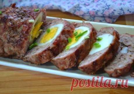 #рецепты #мясной #рулет  СТОЛОВКА Мясной рулет c яйцом   Ингредиенты: Фарш говяжий: 350 Грамм, Показать полностью…