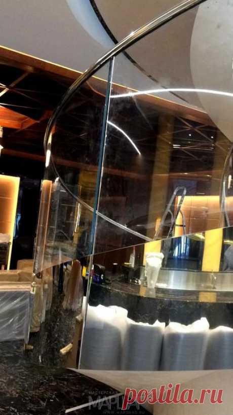 Изготовление лестниц, ограждений, перил Маршаг – Лестничное ограждение из моллированного стекла