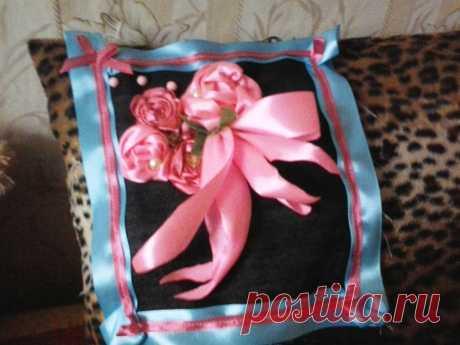 Розы созданы по принципу обмотки через простые нитки. Просто, быстро и доступно!