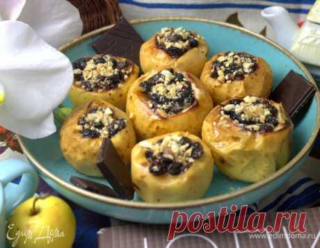 Запеченные яблочки с начинкой. Ингредиенты: яблоки, фундук, арахис жареный