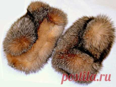 Fur mittens | Mittens from fur of a mink the hands
