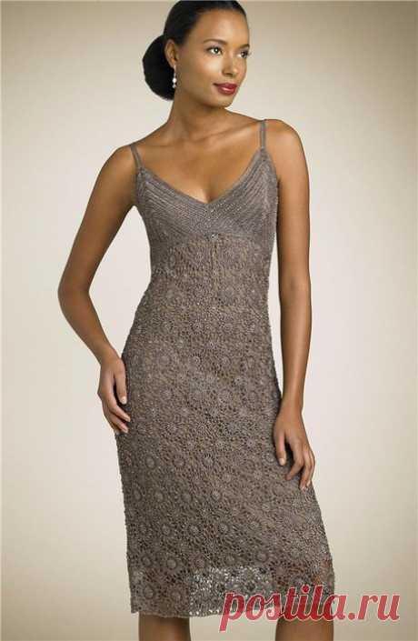 Вечернее платье Carmen Mark Valvo.
