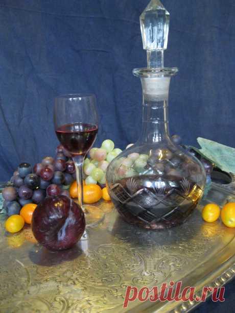 Ликёры и домашнее вино.