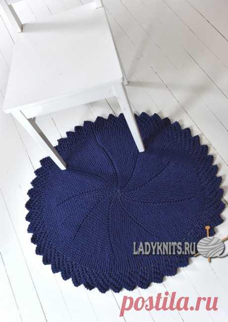 Вязаный спицами круглый коврик (половик), описание