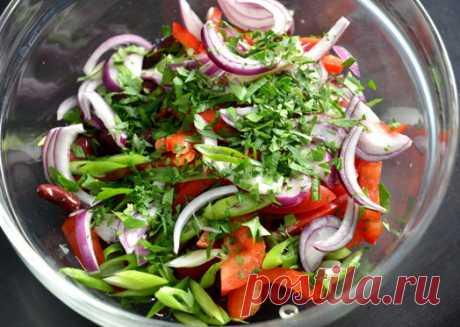 Салат из красной фасоли и сладкого перца