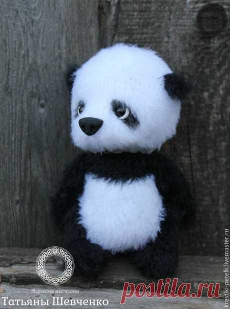 Tejemos por el gancho al osezno-panda amable – la Feria de los Maestros