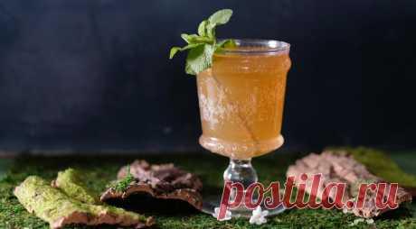 Мятный пряник - ПУТЕШЕСТВУЙ ПО САЙТУ. Коктейль Мятный пряник, он же – имбирный, так как готовится с имбирным элем и имбирным сиропомна основе джина, согреет прохладным весенним или летним вечером. ИНГРЕДИЕНТЫ 50 мл джина 20 мл сиропа «Имбирный пряник» 20 мл свежего лимонного сока 60 мл имбирного эля 6–8 листьев мяты + 1 веточка для украшения …