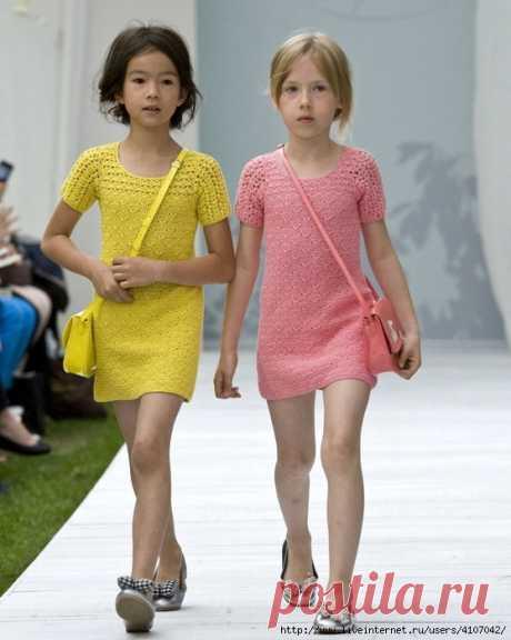 SUMMER DRESS FOR THE GIRL. HOOK.