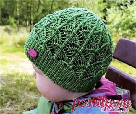 Осенняя детская шапочка спицами