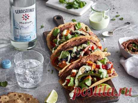 Vegetarische Tacos mit Pilzen, Süßkartoffel und Koriander-Creme