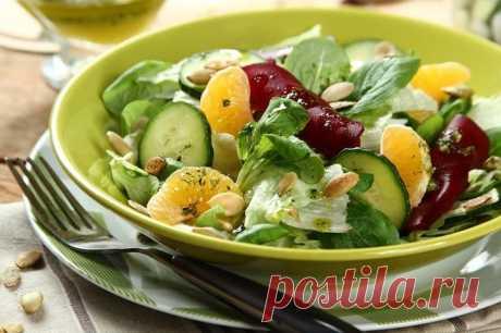 Хрустящий салат со свеклой и мандаринами – пошаговый рецепт с фото.