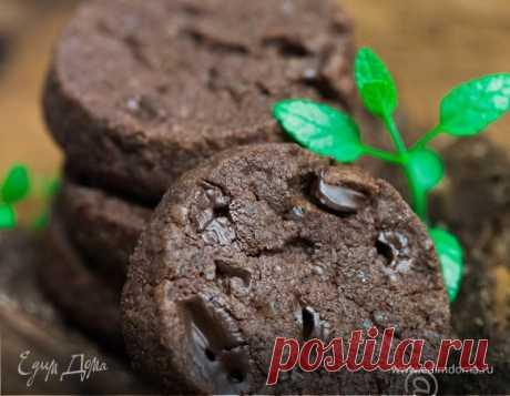 Восхитительное шоколадное печенье с морской солью.
