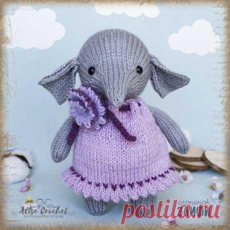 вязаная спицами игрушка слоненок Элифи