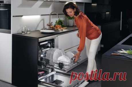 Как правильно наполнить посудомоечную машину После праздничных посиделок, разумеется если вы гостеприимный хозяин, вас всегда ожидает гора грязной посуды. Посудомоечная машина с легкостью решает эту проблему.Но иногда, после помывки, посуда не в...