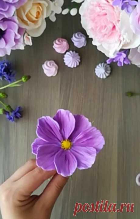 """Полимерная глина. Обучение on Instagram: """"Давно обещала мастер-класс по лепке космеи. И наконец-то его сняла. Ни в какую не хотел лепиться цветочек 😶 Поддержите мастер-класс л❤️йком…"""""""