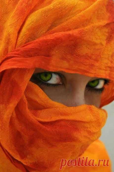 Orange   AWAITING   Eye, Face and Portraits