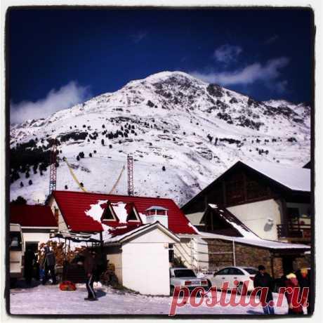 Иро4ка в Instagram: «Чегет #горы #снег #отдых» 7 отметок «Нравится», 5 комментариев — Иро4ка (@woman_sk) в Instagram: «Чегет #горы #снег #отдых»