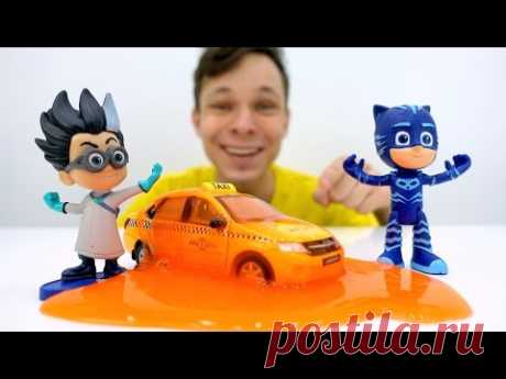 Герои в масках на каникулах! Злодеи расшалились! Детское видео с игрушками.