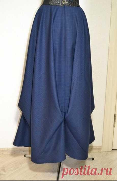 МАТЕМАТИЧЕСКАЯ ЮБКА (выкройка)  «Пифагоровы штаны на все стороны равны» + длина окружности. Всё. Никаких выкроек. Короче, шьется такая нарядная длинная юбка почти без выкройки. По расчётам: