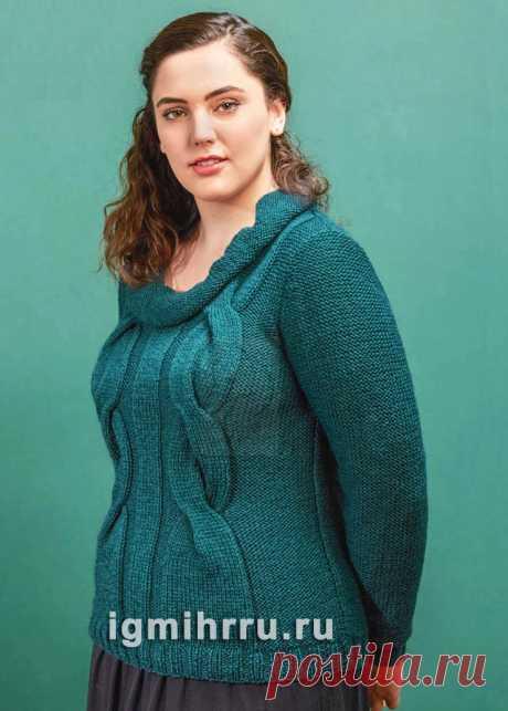 Для пышных дам. Зеленый пуловер с крупными «косами». Вязание спицами со схемами и описанием