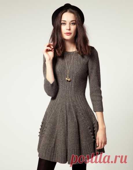 Платье-колокольчик спицами. Тема на Осинке.