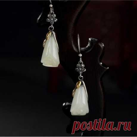 White Hetian Magnolia Earrings / 925 Silver Inlay Earrings / Vintage Fashion Earrings / Christmas Gifts Bridal Gifts / Gifts for Wives Product Details:  Material: Hetian jade, 925 silver  color: White  Shape: Orchid  Size: earrings length 39, width 9mm  Weight: 4.5 grams  Translucent: translucent  Symbol: Good luck to you