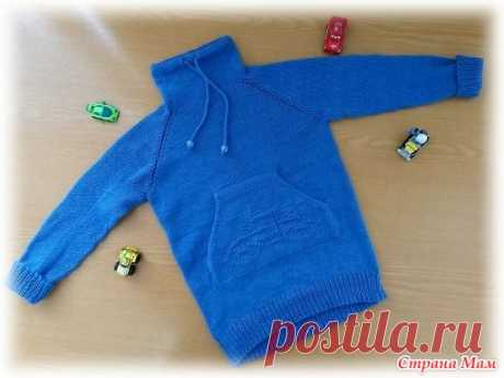 """Sweater with a pocket of \""""kangaroo\"""" for the grandson for spring (spokes)"""