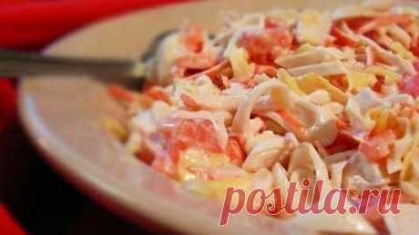 Любите кальмары? Рецепт приготовления лучшего салата «Красное море»