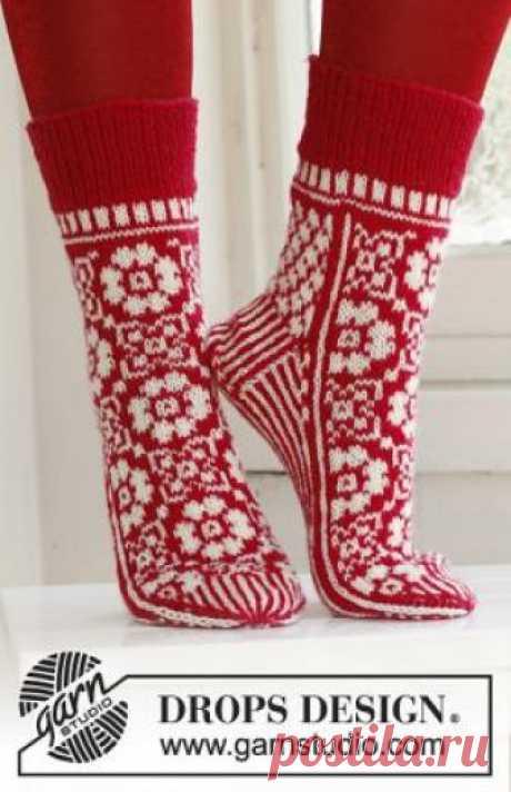 Жаккардовые носки спицами Очень скоро придут долгожданные зимние праздники, готовиться ккоторым истинное удовольствие. На повестке дня у многих будет стоять вопрос о том...