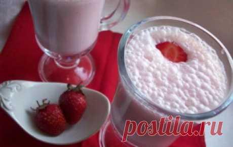 Молочный коктейль с клубникой / Молочные коктейли и напитки / TVCook: пошаговые рецепты с фото