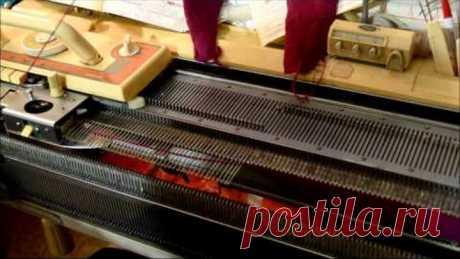 Вязание детской шапочки с ушками на вязальной машине Видео урок вязание на вязальной машине