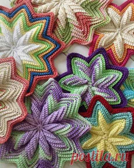 Beautiful knitting by a hook: a panel, tacks, hot pads — Needlework