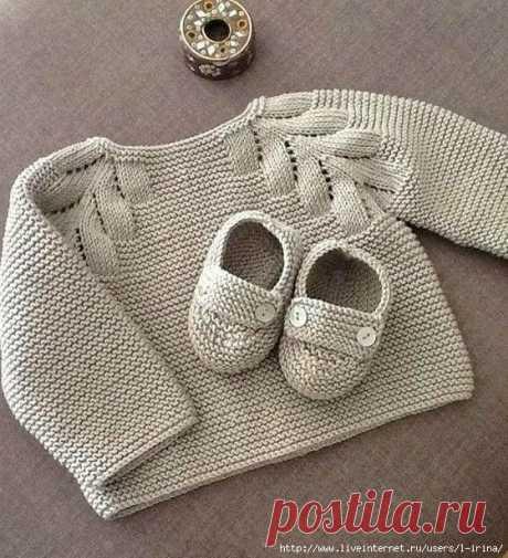 Белая кофточка для малыша