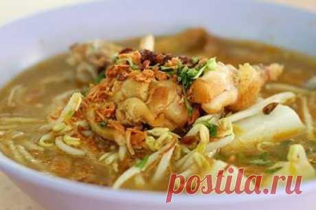 Быстрый суп из курицы. Суп с лапшой на курином бульоне – один из самых популярных и любимых видов супов. Но, оказывается, даже его можно приготовить по-новому, если кое-что добавить к традиционным ингредиентам. Получится не просто сытно и вкусно, как всегда, но и с новыми вкусовыми оттенками.