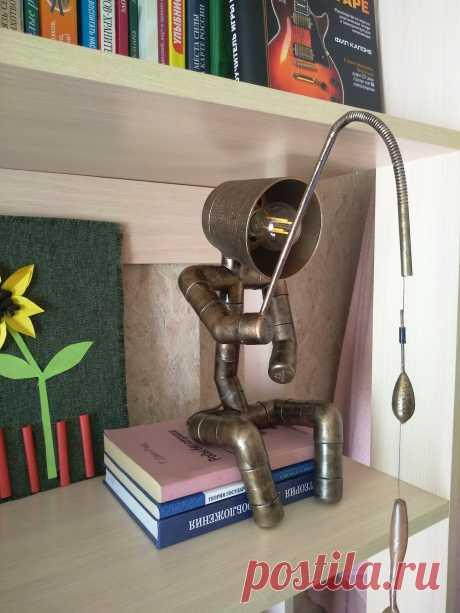 Лампа в стиле лофт.
