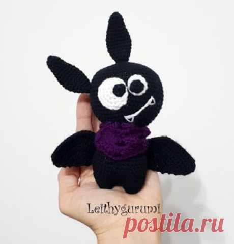 PDF Милая маленькая летучая мышь. Бесплатный мастер-класс, схема и описание для вязания игрушки амигуруми крючком. Вяжем игрушки своими руками! FREE amigurumi pattern. #амигуруми #amigurumi #схема #описание #мк #pattern #вязание #crochet #knitting #toy #handmade #поделки #pdf #рукоделие #летучаямышь #летучая #мышь #мышка #bat #mouse #хэллоуин #halloween
