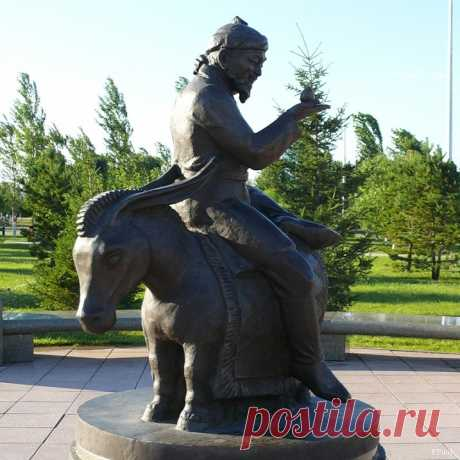 The most interesting monuments of Astana (30 photos)
