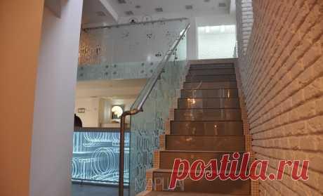 Лестницы, ограждения, перила из стекла, дерева, металла Маршаг – Самонесущие перила лестничные