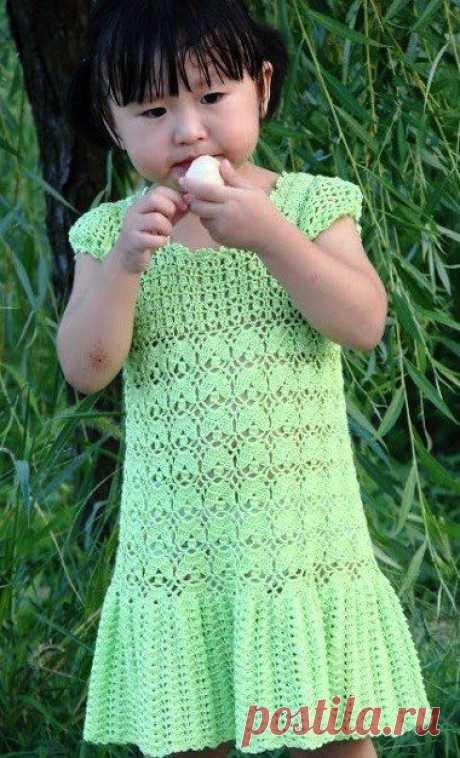 Платье крючком, вяжем детям