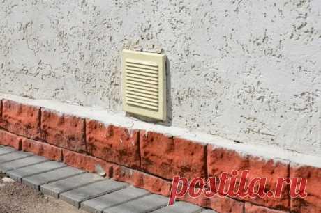 Зачем нужны продухи в фундаменте дома, и что делать с ними осенью | Постройки на участке (Огород.ru)
