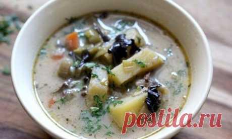 Рецепт диетического супа из сушеных грибов