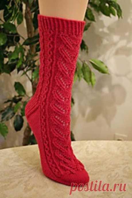 """Совместное вязание - носки """"Сердечные"""" Всем любителям вязания, ажурных, дизайнерских носочков. В этот раз, в преддверии самого романтического праздника  выбор остановился на вот этих носочках дизайнера Wendy D."""