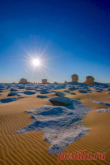 Enantiodromija | White Desert by Dionys Moser