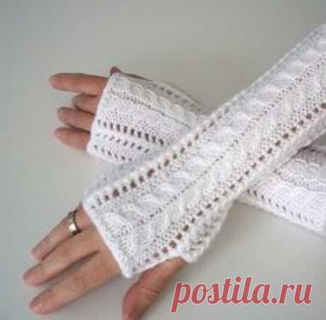 Lace Fingerless Gloves Knitting pattern by Luciana Boic