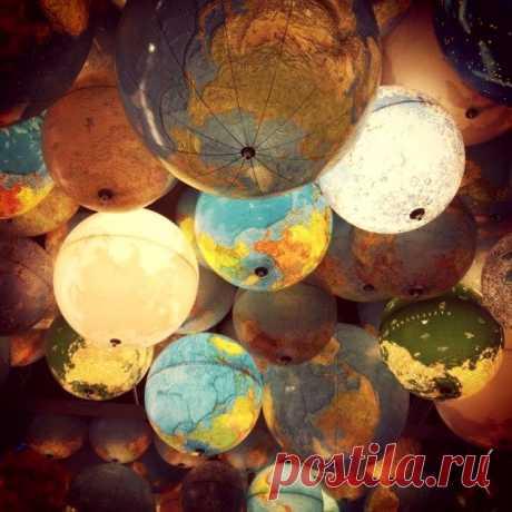 Идеи что сделать из глобуса своими руками: абажуры для ламп и светильники, часы и миски, инсталляции и декор стен, снеговики