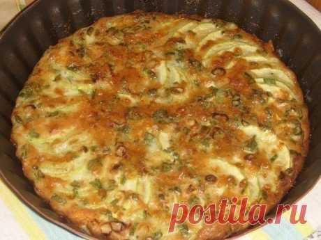 Запеканка из кабачков с зеленым луком Запеканка из кабачков с зеленым луком Ингредиенты: Яичная смесь: 3 яйца, 3 стол.ложки молока, 1 стол.ложку сметаны(или майонеза). 1 стол.ложку муки, 50 г сыра(натереть), соль,перец,шепотку карри. Приготовление: Кабачок...