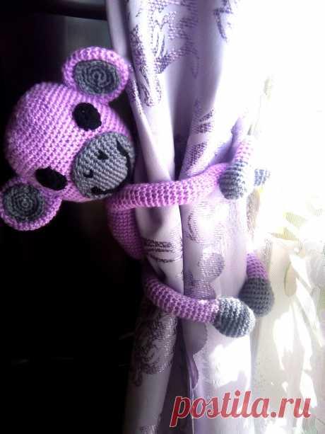 Прихватка для штор - обезьянка Ми-Ми. 23 см. Ручки и ножки на проволочном каркасе. Готовая работа и под заказ( из любой пряжи и любого цвета). 400 руб. + почтовые расходы.