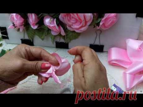 Rosa armada pétalo por pétalo
