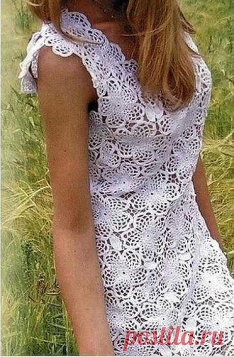 Платье крючком из цветочных мотивов. Белое платье крючком схема. |